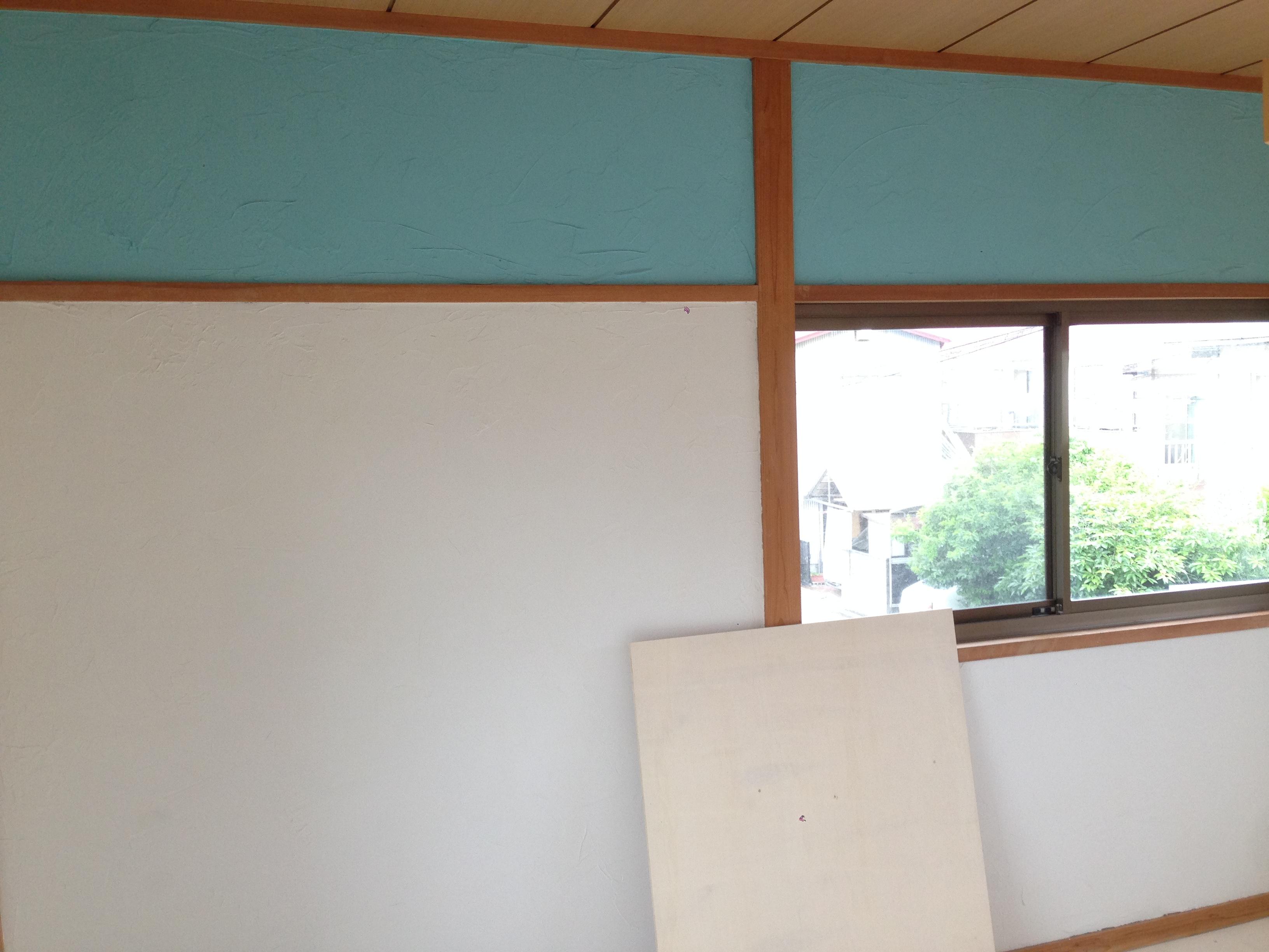 砂壁に天然塗り壁材を塗ってみました
